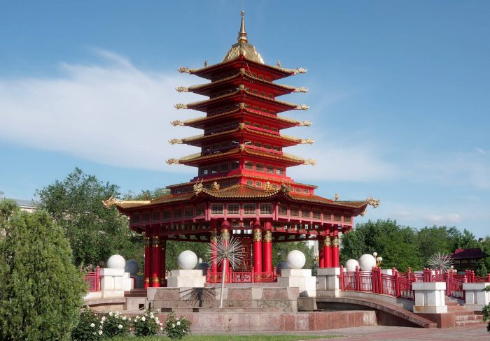 Pagoda-Semi-Dney-700x488