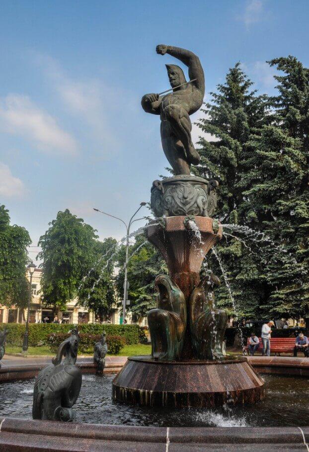 Pamyatnik-fontan-Nart-Soslan