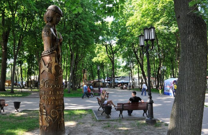 Park-muzey-imeni-A.-K.-Tolstogo-700x456