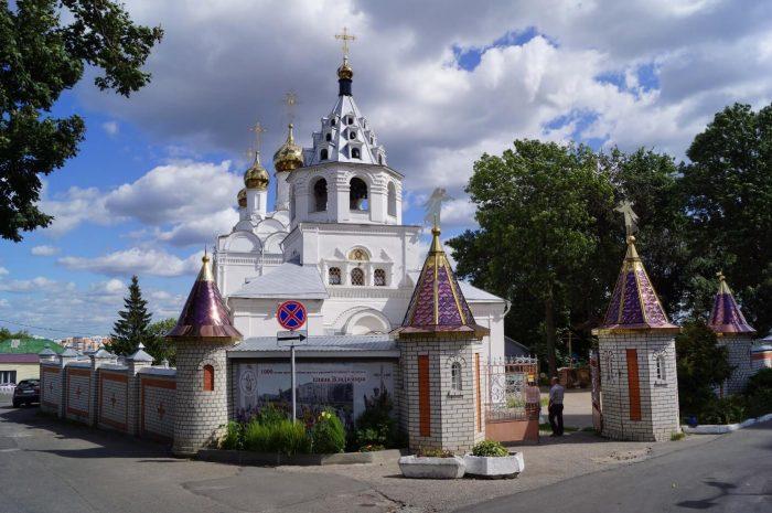 Petro-Pavlovskiy-monastyr-700x465