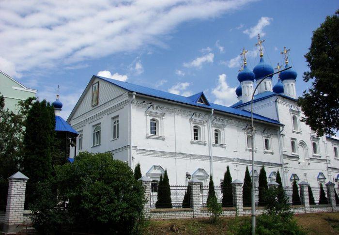Pokrovskiy-sobor-700x485
