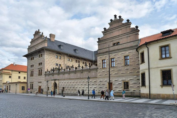 SHvartsenbergskiy-dvorets-700x467