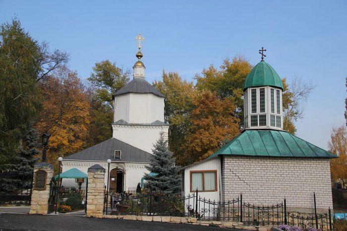 Svyato-Uspenskiy-Lipetskiy-monastyr-700x466