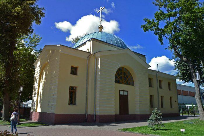 TSerkov-Rozhdestva-Presvyatoy-Bogoroditsy-700x467