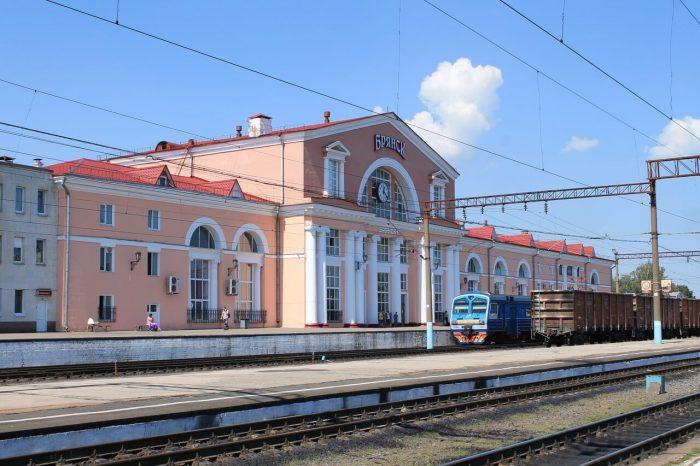 Zdanie-vokzala-stantsii-Bryansk-Orlovskiy-700x466