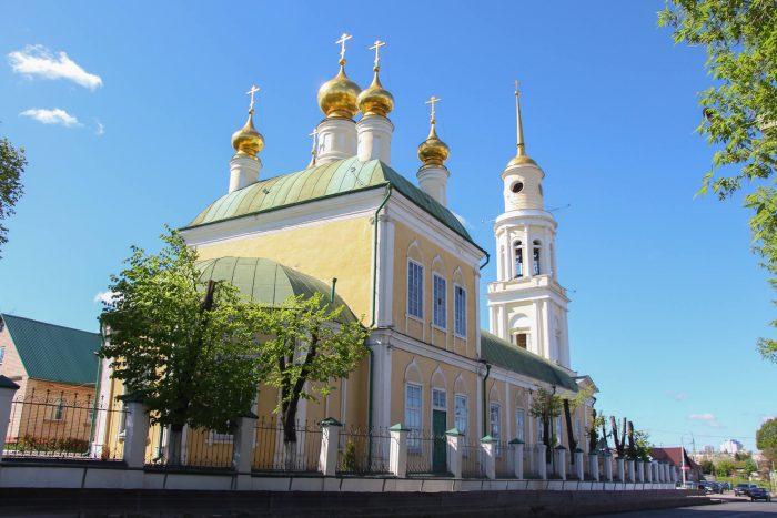 Ahtyrskiy-kafedralnyy-sobor-700x467