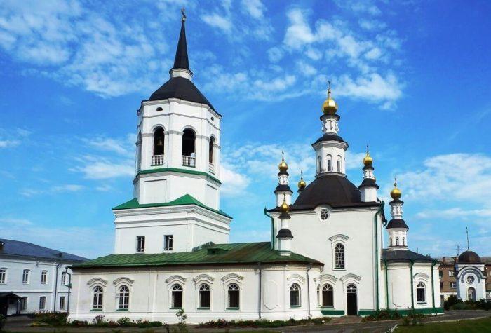 Bogoroditse-Alekseevskiy-monastyr-700x475