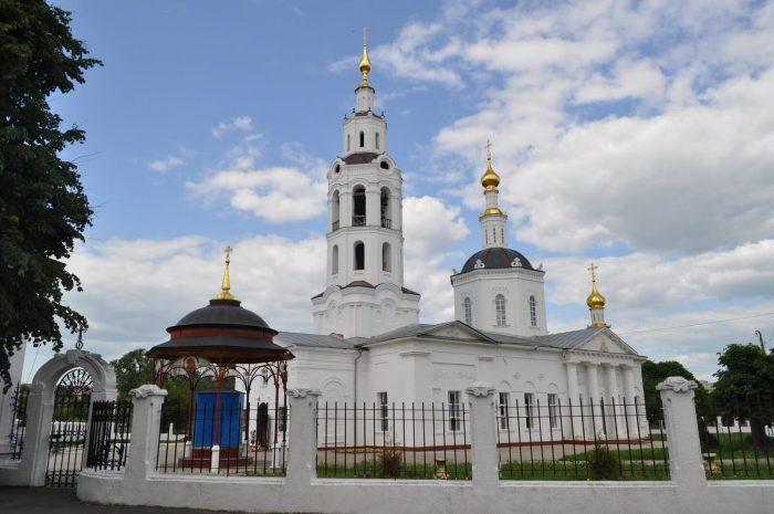 Bogoyavlenskiy-sobor-700x465