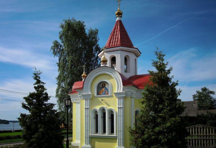 CHasovnya-Georgiya-Pobedonostsa-700x481