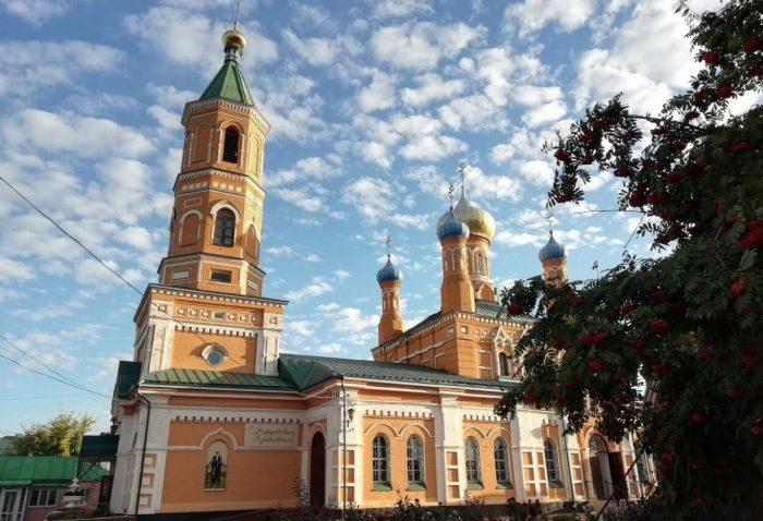 Dimitrievskiy-muzhskoy-monastyr-700x478