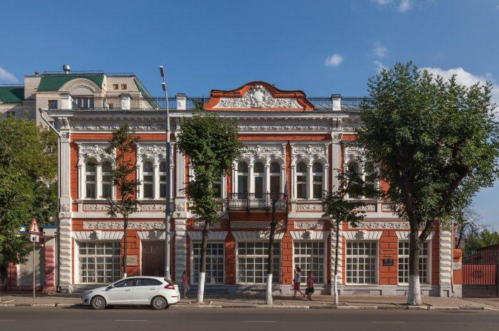 Dom-kuptsa-Apollonova-700x465