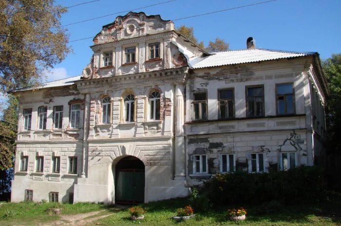 Dom-kuptsov-Ryzhkovyh-700x465