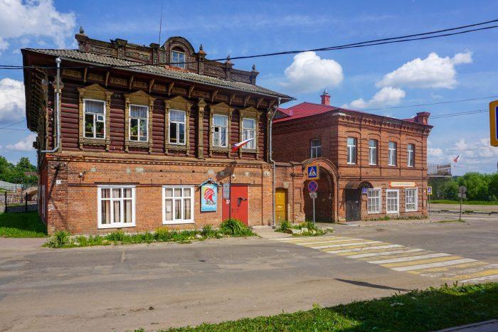 Dom-kuptsov-Stolbovyh-700x467