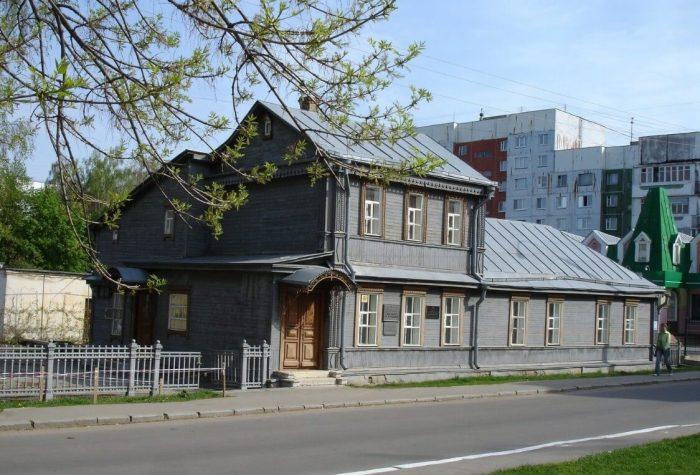 Dom-muzey-V.-A.-Rusanova-700x475
