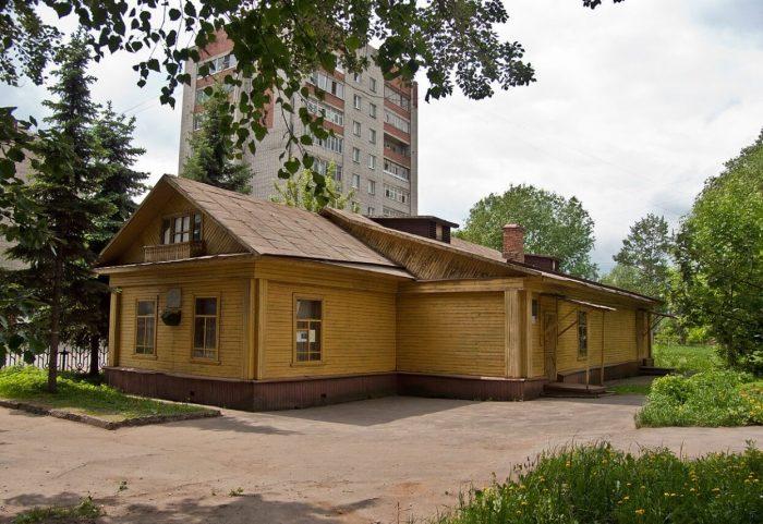 Dom-muzey-akademika-A.-A.-Uhtomskogo-700x481