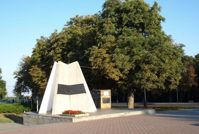 Hoperskaya-palatka-i-chast-krepostnoy-steny-700x470