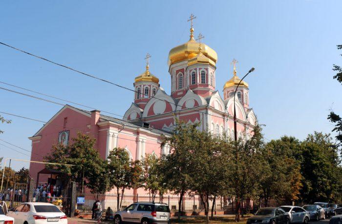 Hram-Smolenskoy-ikony-Bozhiey-Materi-700x459