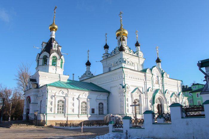 Iverskaya-tserkov-700x467