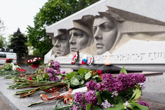Memorial-Ogon-Vechnoy-Slavy-700x467