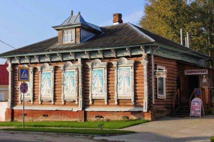 Muzey-galereya-kukol-Olgi-Pavlychevoy-700x464