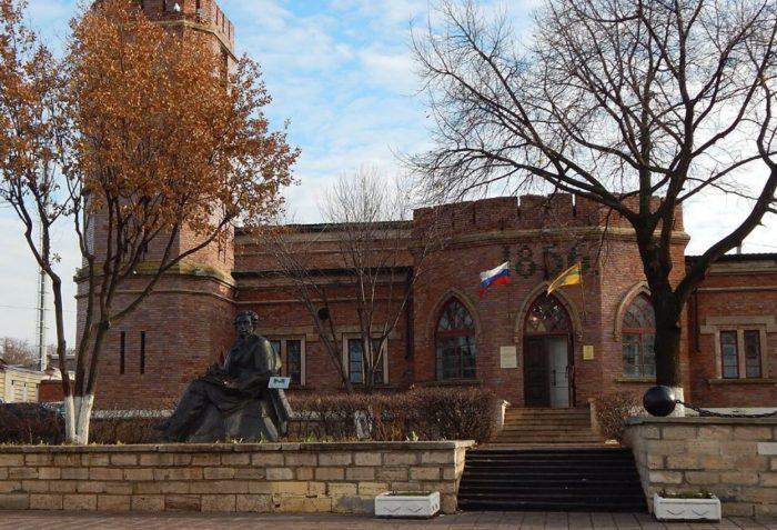 Muzey-istorii-Orenburga-700x477