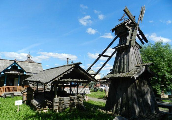 Muzey-krestyanskoy-arhitektury-malyh-form-700x487