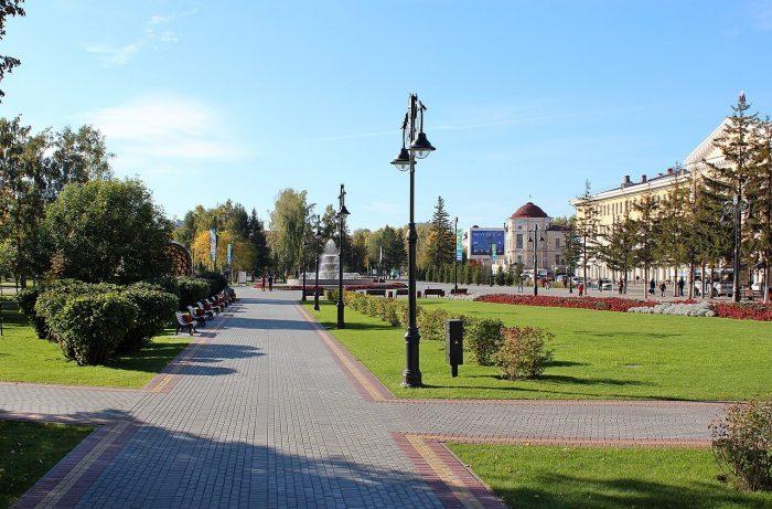 Novo-Sobornaya-ploschad-700x461