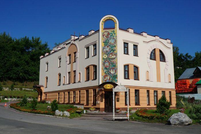 Pervyy-muzey-slavyanskoy-mifologii-700x467