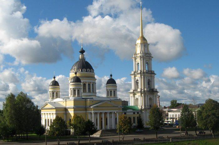 Spaso-Preobrazhenskiy-sobor-700x465