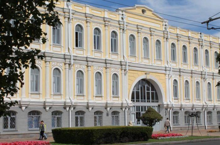 Stavropolskiy-kraevedcheskiy-muzey-700x463