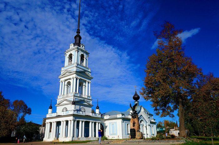 Voznesenskaya-tserkov-700x466