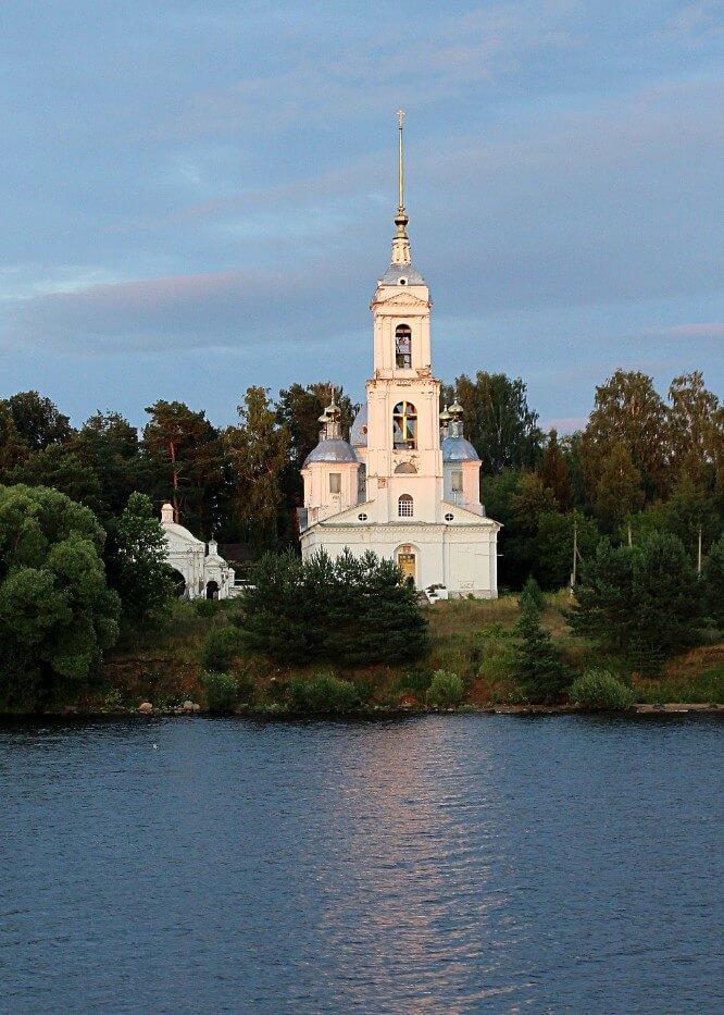Voznesenskaya-tserkov-v-Ohotino