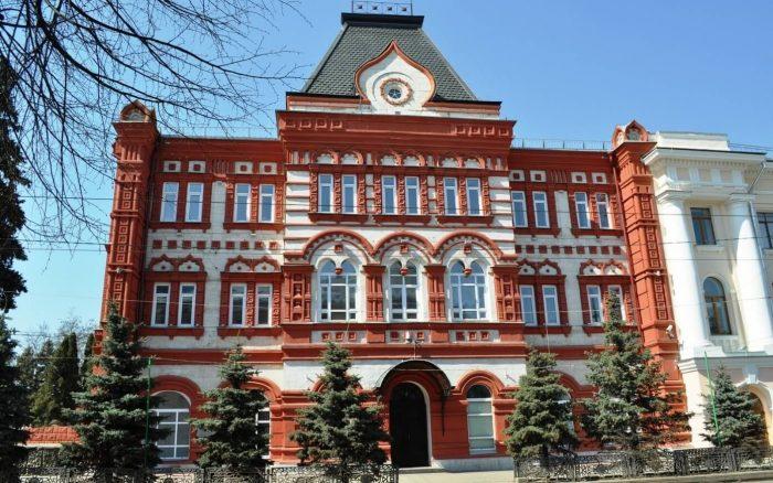 Zdanie-Orlovskogo-kommercheskogo-banka-700x438